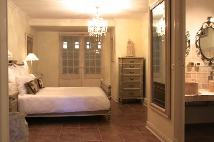 Sainte-Hélène Luxury Apartment in a lively village