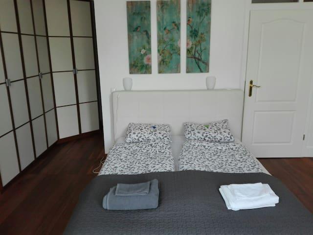 Bedroom/卧室