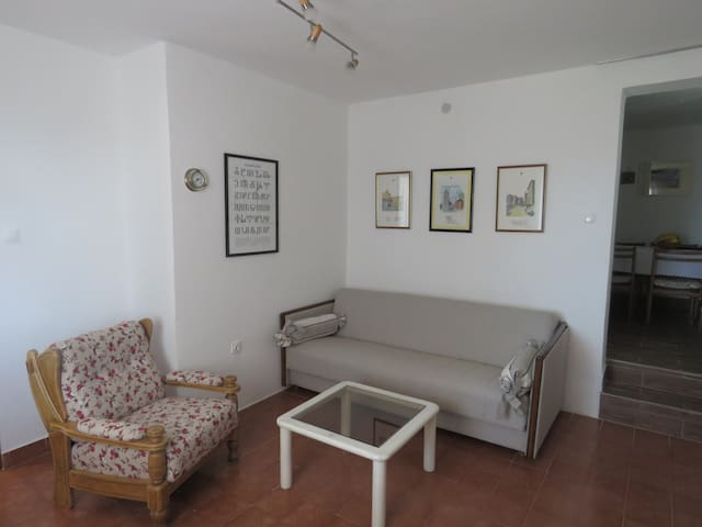 Cozy and close to the beach. With air conditioning - Omišalj - Casa