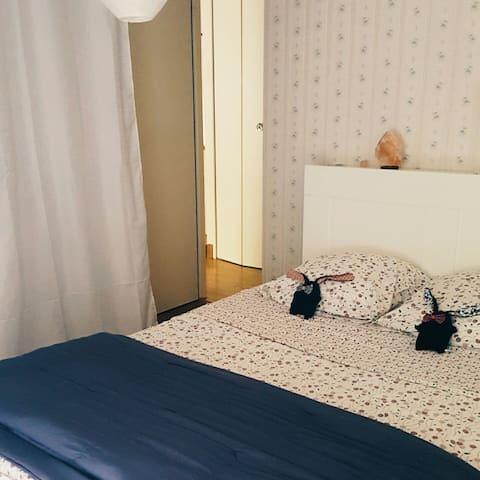 Bedroom 2 people
