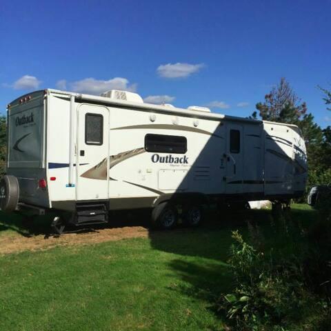 30' camper trailer - Shelburne - Husbil/husvagn