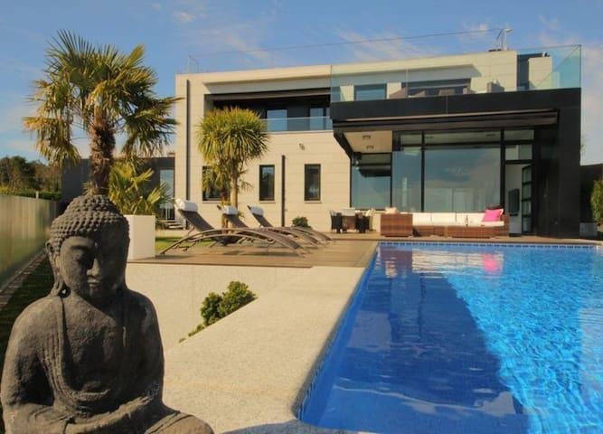 101120 -  Villa in Sanxenxo, 5 Bedrooms (WIFI)