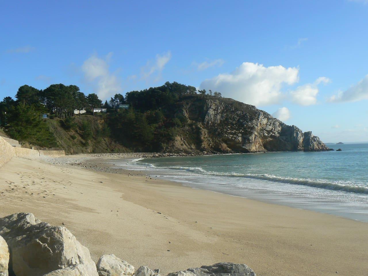 La plage du Portzic en contrebas de l'appartement