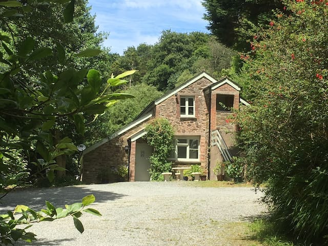 The Coach House at Lower Coombe Royal