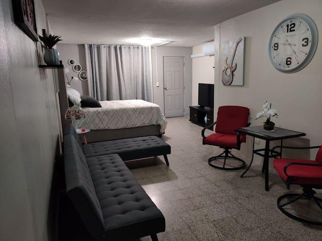 Ave. Galicia -Cozy studio near Airport