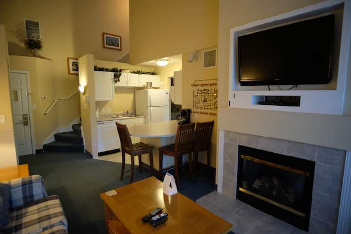 327- 2 Bedroom Suite