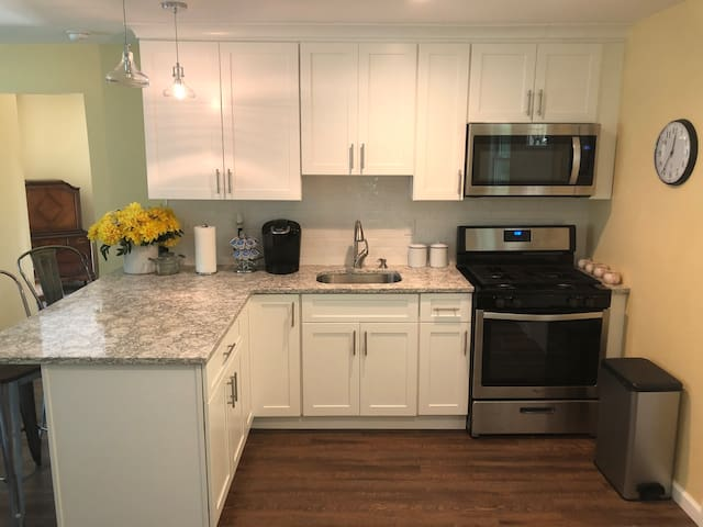 Cozy private apartment off of Greenwood Lake