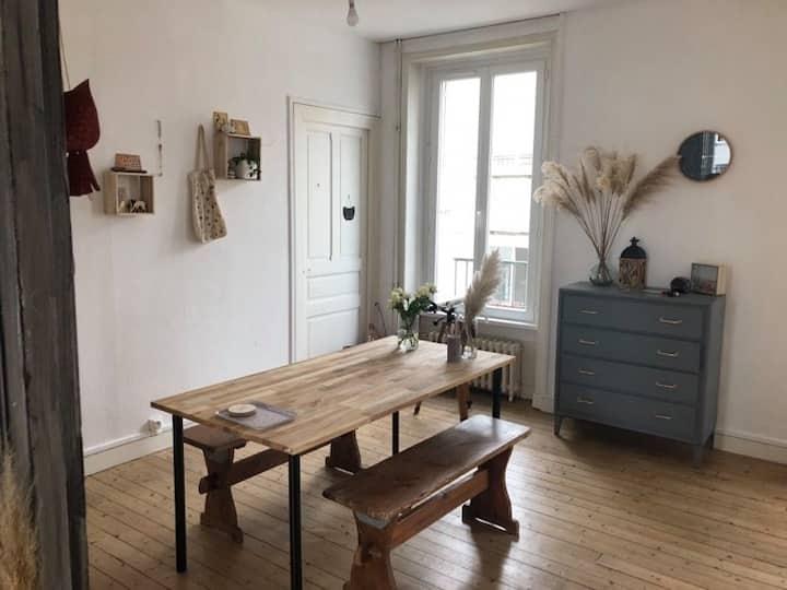 """""""Appartement 70 m² chaleureux et lumineux"""""""