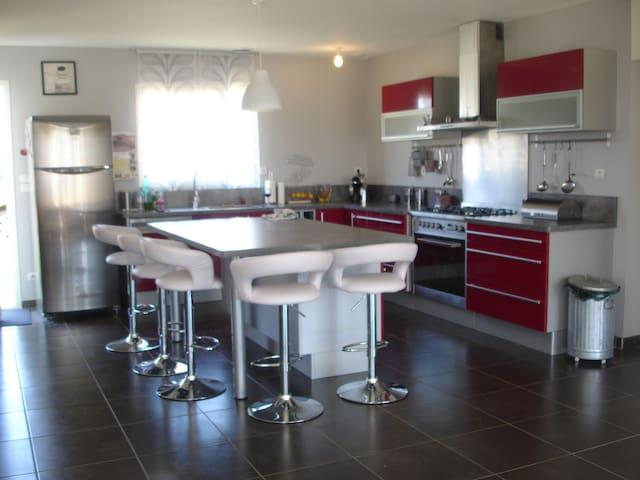 belle villa avec piscine - Cazouls-lès-Béziers - Hus