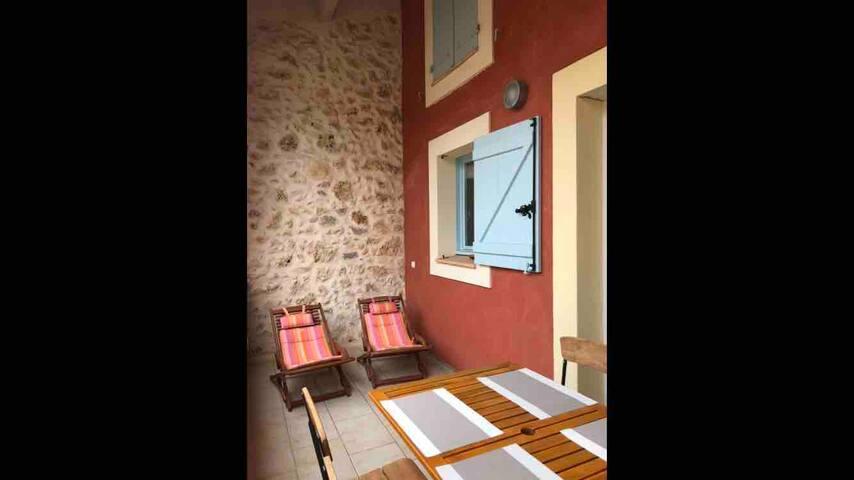 Maison  climatisée avec terrasse et garage