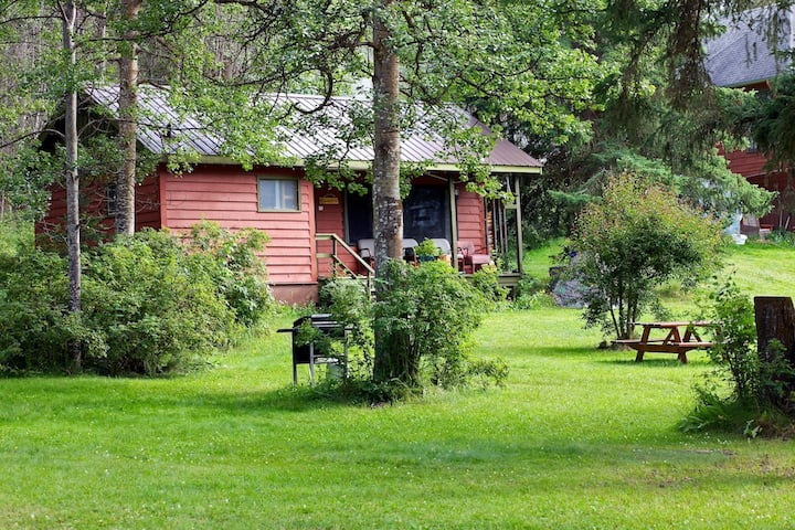 Lancelot- Cabin 2 - Rustic Vacation Cottage Rental