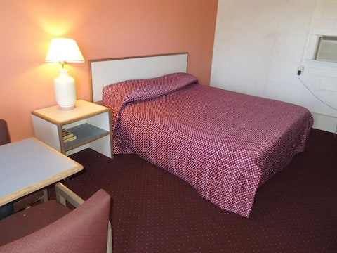 Motel Room-minutes from Atlantic City and Stockton