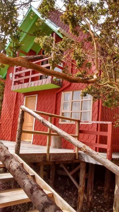 fachada posterior cabaña huillinco
