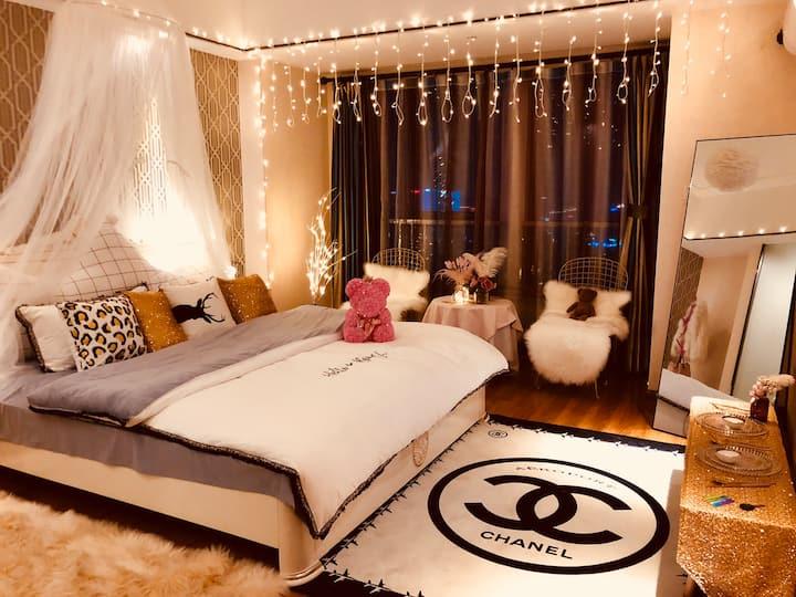 万达广场浪漫情长夜景大床房