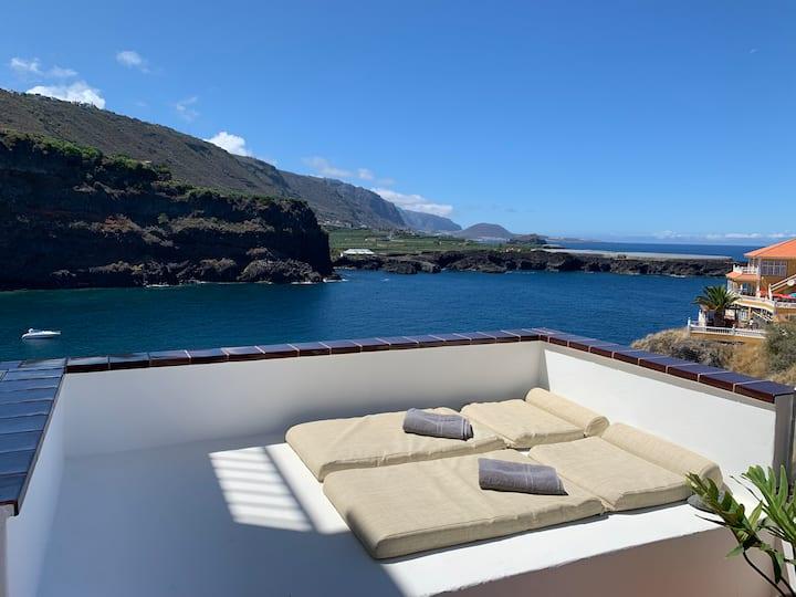 Panoramic Sea Front Apartment