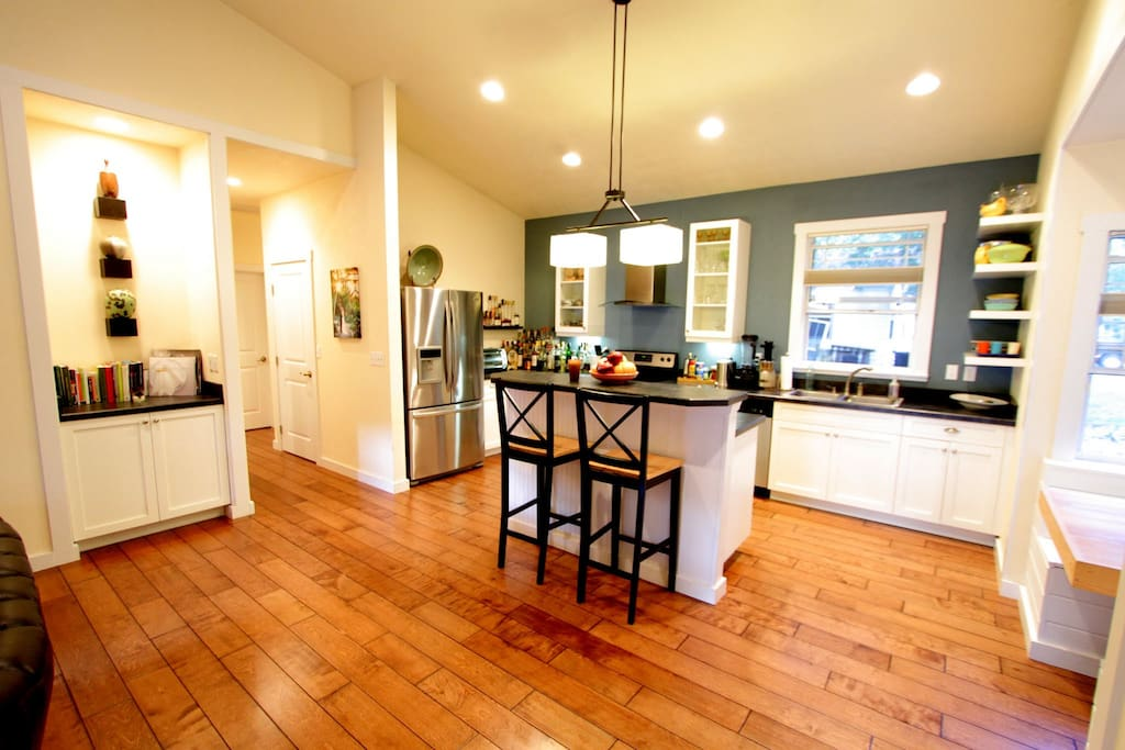 Ferris Wheel furthermore Home Improvement Inspiration The Modern Coastal Home likewise Houses For Sale In Frisco Tx in addition Anderson Hall  gainesville  Florida further LocationPhotoDirectLink G34242 D2414426 I35763750 University of Florida Bat House Gainesville Florida. on gainesville houses