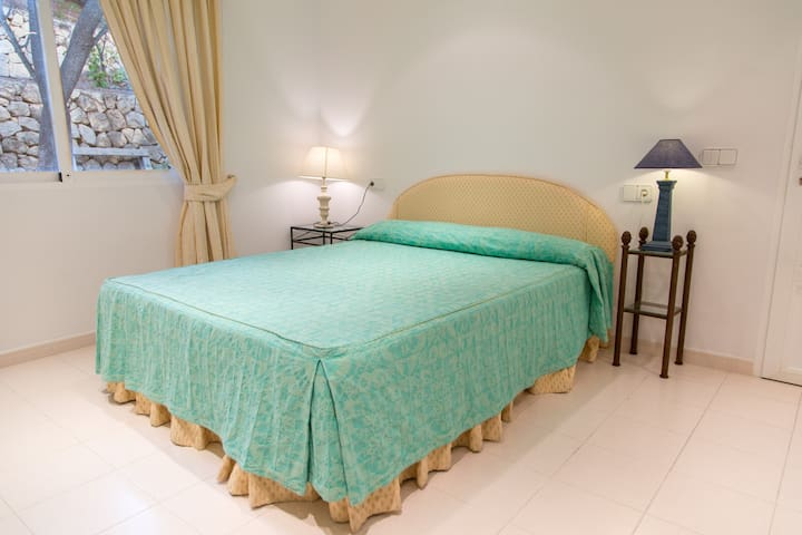 Independent room in Villa - Altea - Lejlighed
