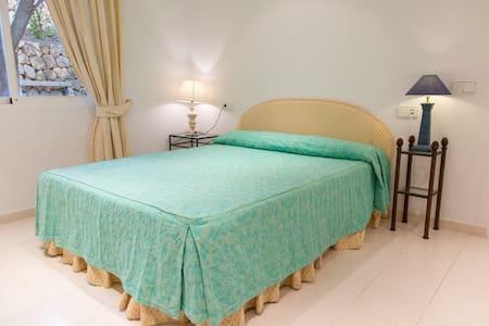 Independent room in Villa - Altea - Apartament