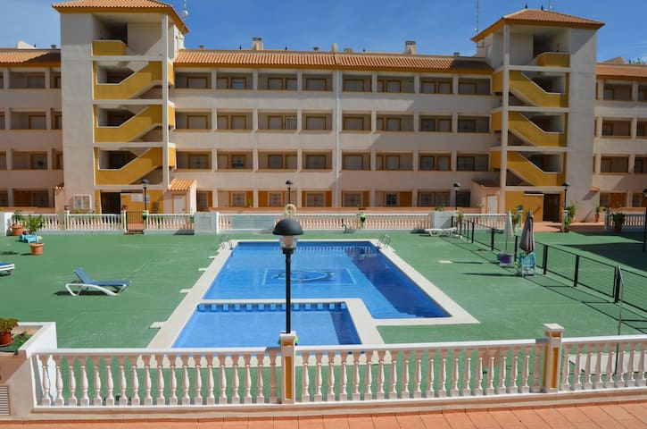 Apartment , free wifi, sat tv, communal pool