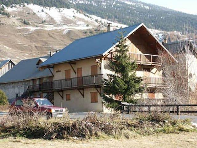 Appartement Ceillac vacances montagne  5 personnes - Ceillac - Byt
