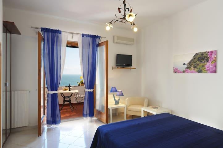 House Blue Moon in the heart of the Amalfi Coast