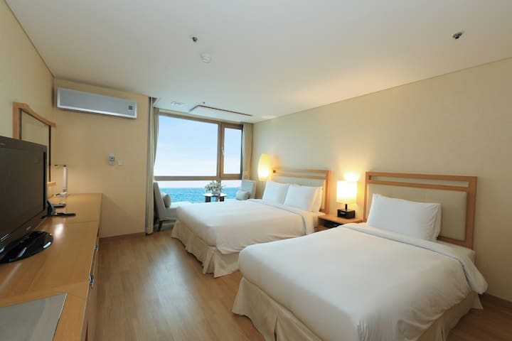 ♡Ocean View Room - 10min from Jeju Airport ♡