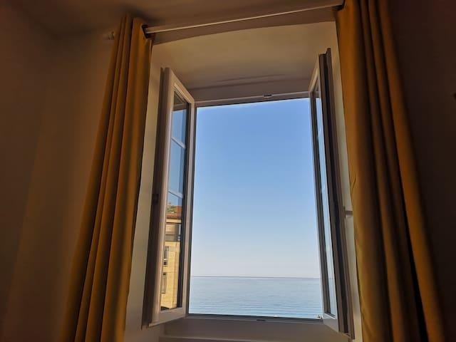 2 chambres, vue mer incroyable, centre historique