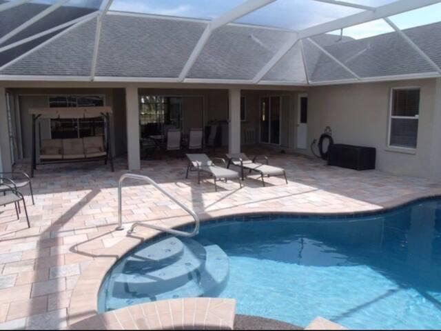 Lily's Villa - Cape Coral