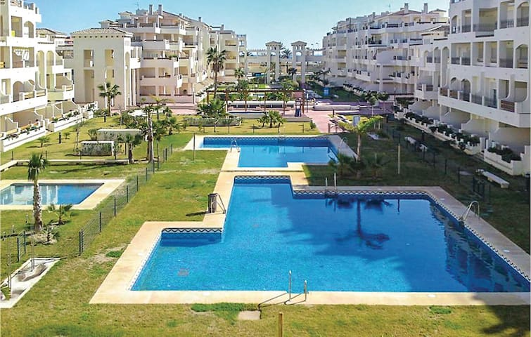 Holiday apartment with 2 bedrooms on 60m² in Roquetas de Mar