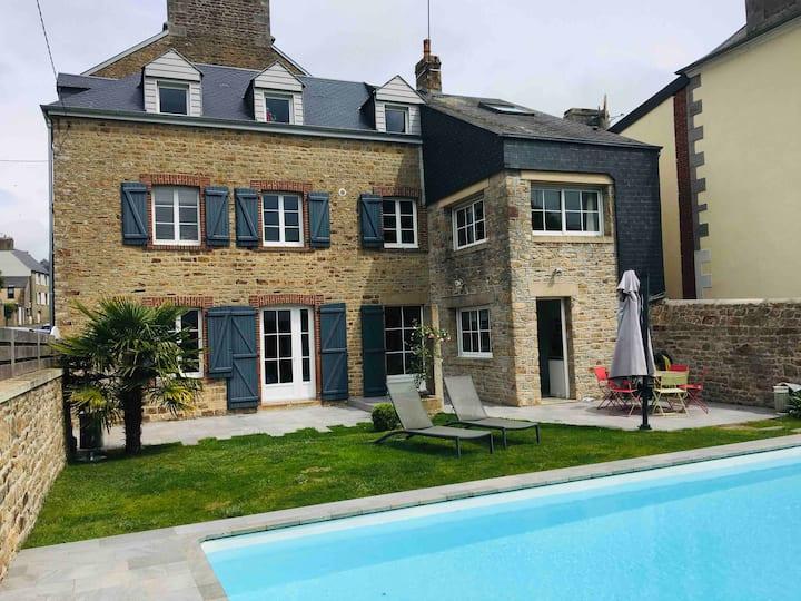 Jolie Maison avec piscine, proche Mt St Michel