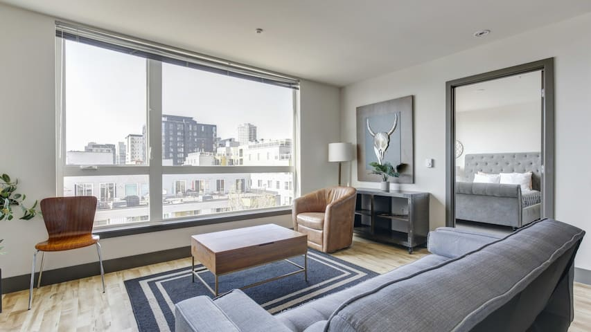 Enjoy comfort and style in this 1BD condo, self-checkin