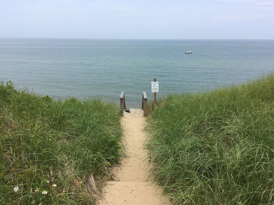 Hinckley Lane is a five minute walk away with neighborhood beach access