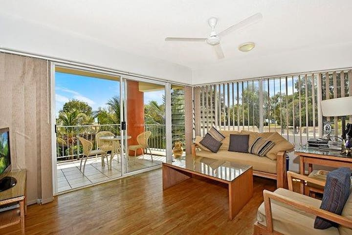 2 Bed Self Contained Apartment - Larrakeyah - Apartamento
