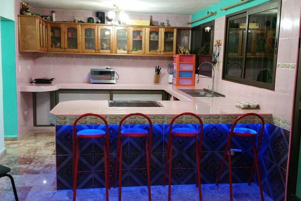 cocina comedor de la casa, donde realizamos los desayunos y cenas a los clientes