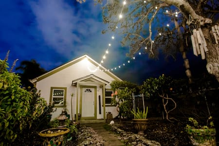 Garden Oasis Guesthouse Surf and Adventure - Santa Cruz - Guesthouse