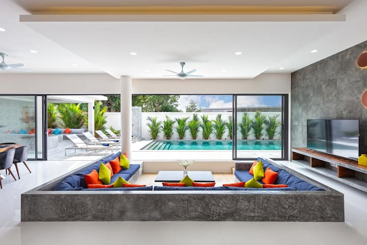 New Ultra Luxury Villa, 1st in Phuket Oxygen Pool
