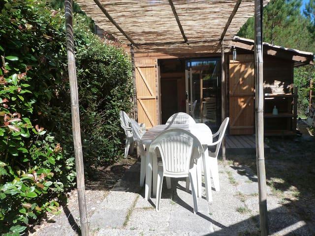 Petit chalet en bois simple et confortable - Andernos-les-Bains - Alpehytte