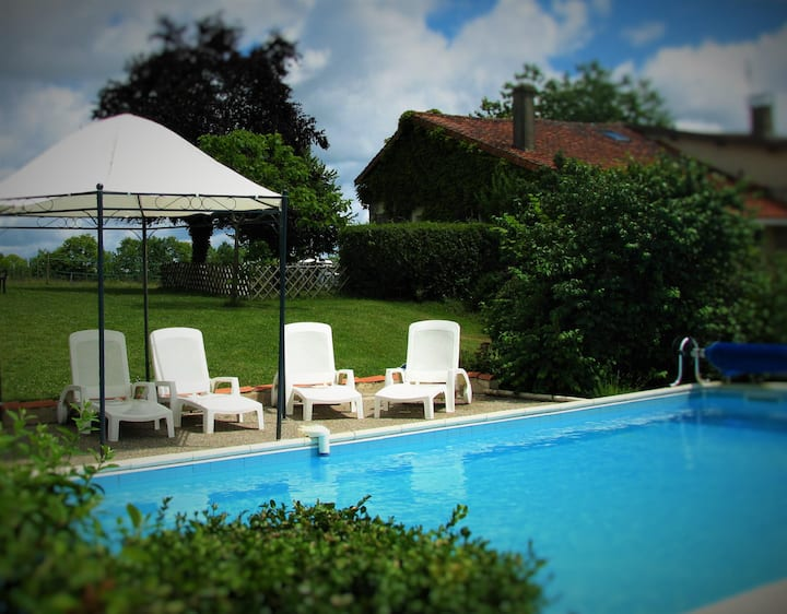 Exclusively Yours! Stone Cottage Heated Pool Views