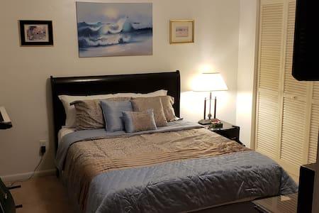 Private Room + Private Bath in SW Gainesville