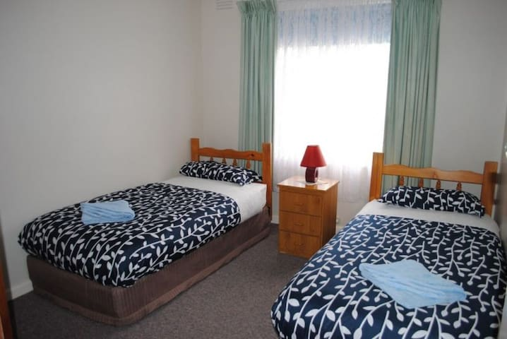 Killara Holiday Flat 4 - Lakes Entrance