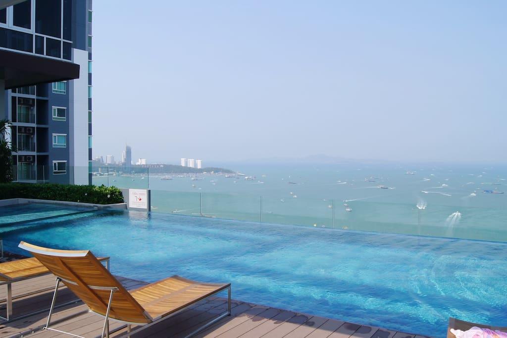 44层海景泳池