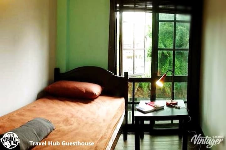 Travel Hub Guesthouse - Single Bed Room
