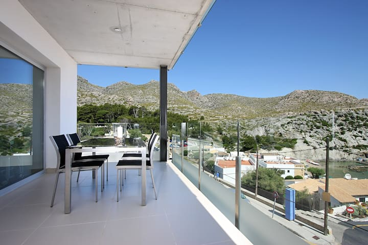 First floor A. Sea-view apartment with outdoor pool - Cala Sant Vicenç - Appartement