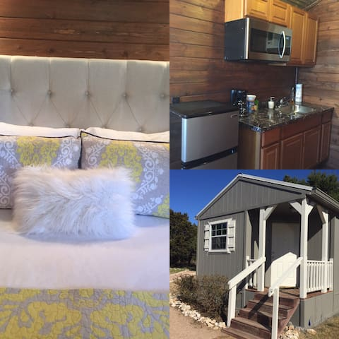 Tiny House#2@Gathering Oaks Retreat - Crawford - Cabana