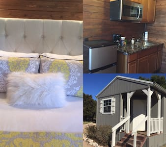 Tiny House#2@Gathering Oaks Retreat - Crawford - Hytte