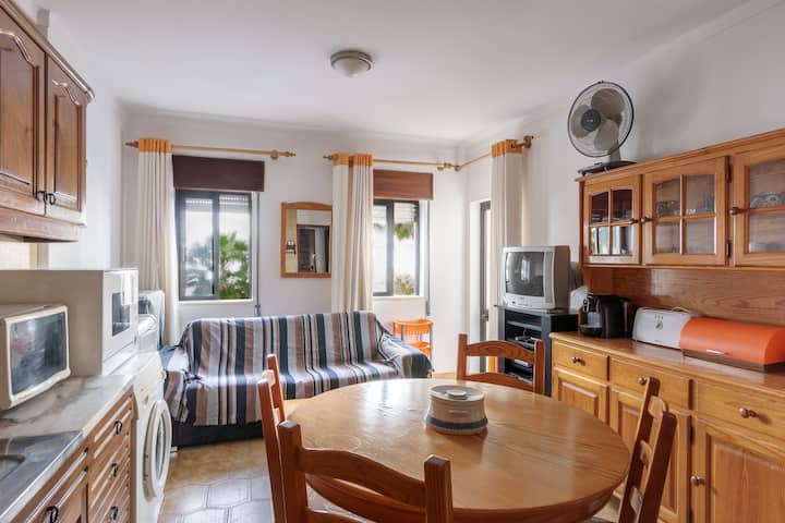 Grant Apartment, Quarteira, Algarve