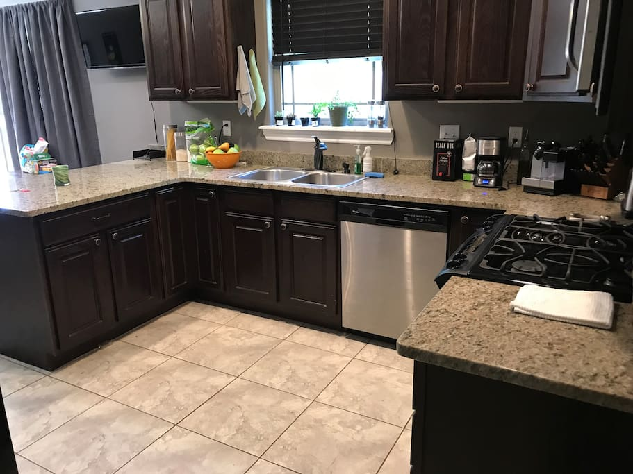Access to kitchen and all appliances