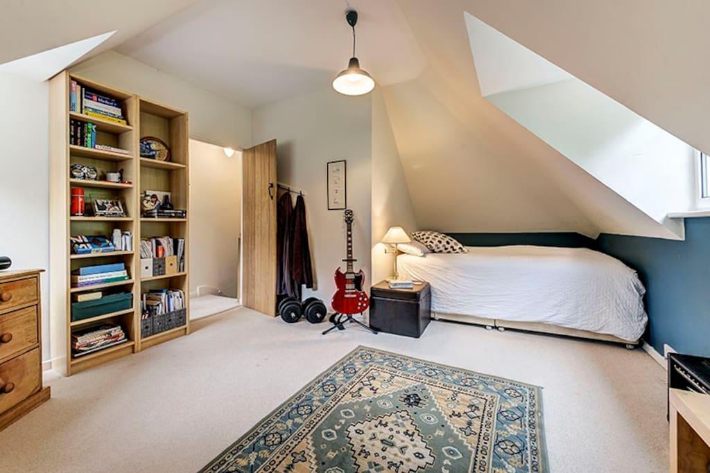 Bedroom 3 - standard double