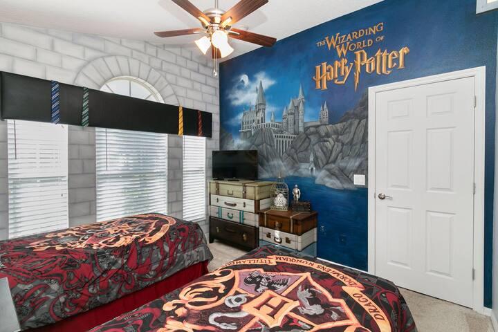 Spectacular Themed Home near Disney World