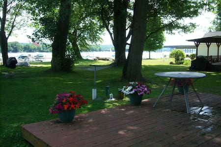 Charming Cottage on Chautauqua Lake W/ Dock - Ashville - Rumah Tamu